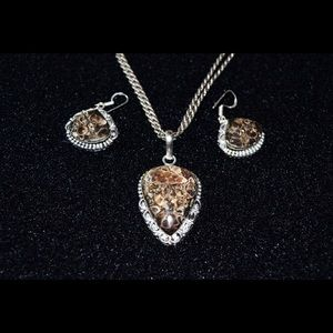 Turitella Pendant & Earrings Set